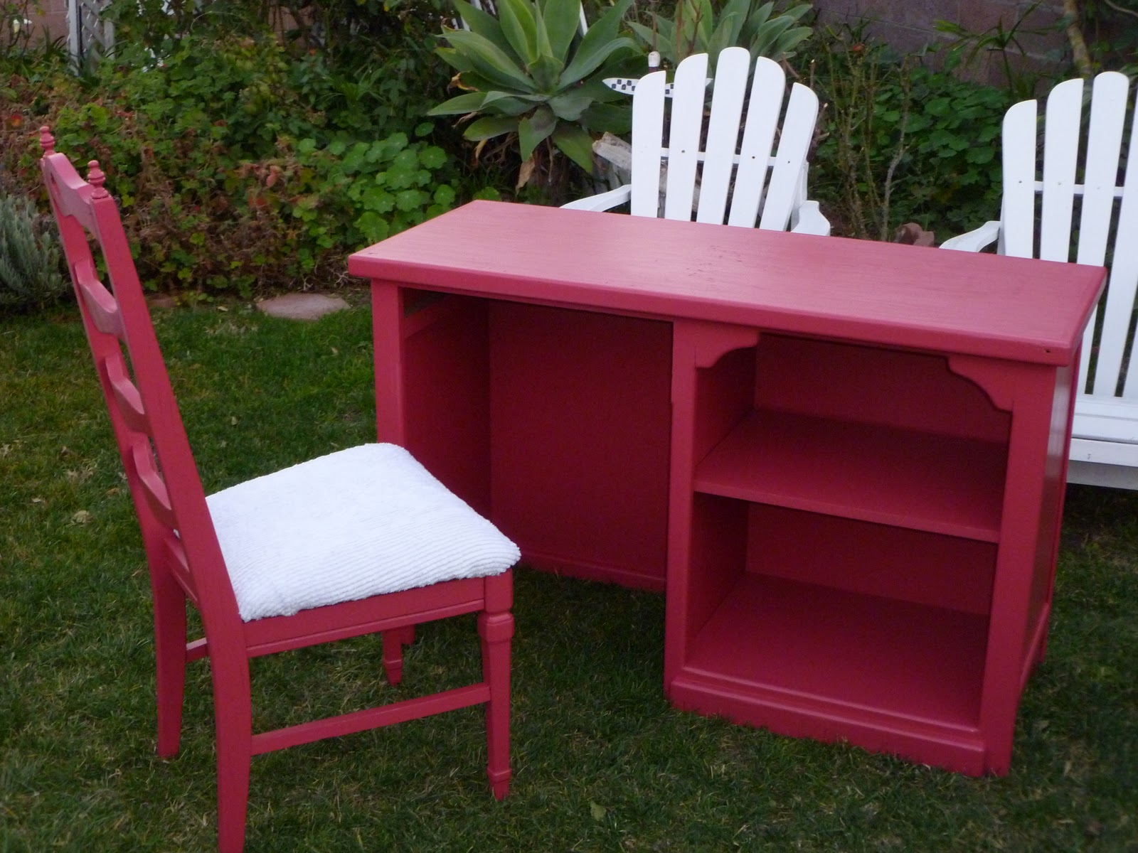 Shabby To Chic Treasures: ~~Pink Desk and Chair Awesome
