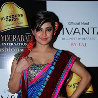 Meera chopra cute saree pictures