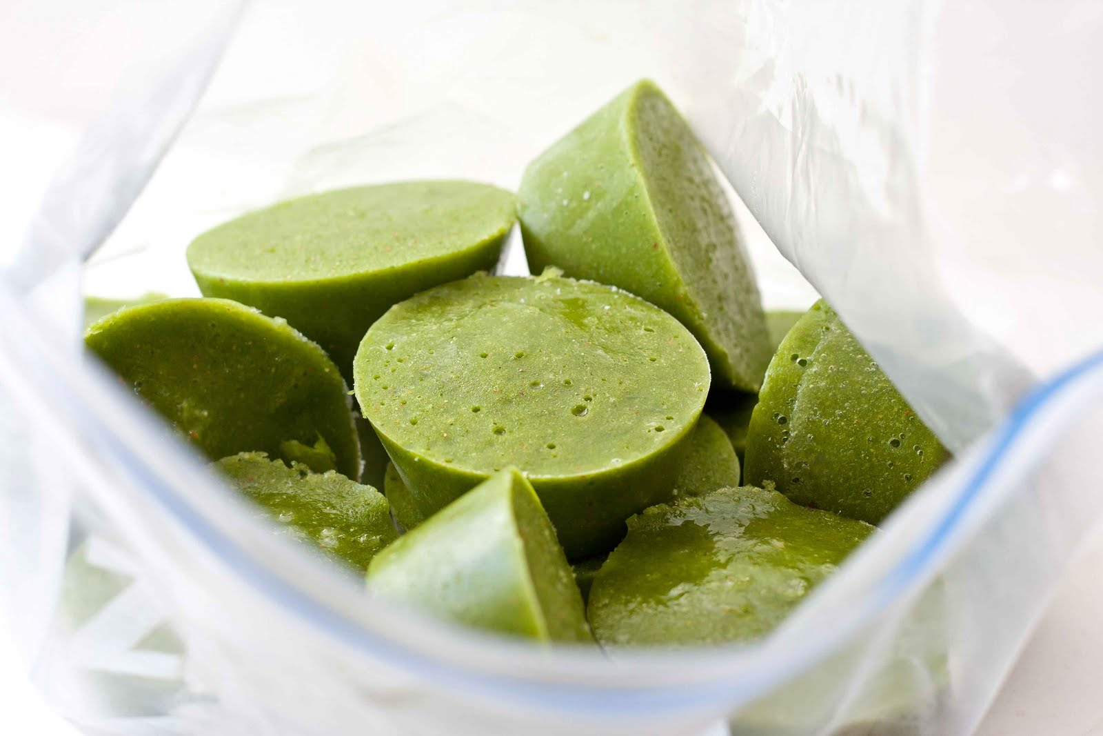 green smoothies Fortunately, green smoothie recipes have improved by leaps and bounds since stepping into the health limelight and while you can buy a slurp-worthy spinach smoothie.
