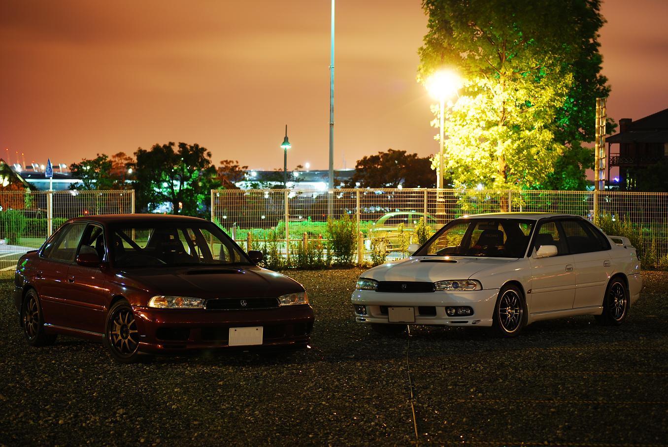 Subaru Legacy II BD, japoński sedan, samochody z napędem na cztery koła, japońskie, boxer, noc, fotki w nocy