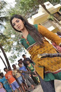 Ayesha Telugu Movie Arundati IPS Pictures