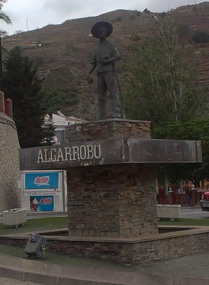 Pueblos andaluces algarrobo m laga for Centro del algarrobo