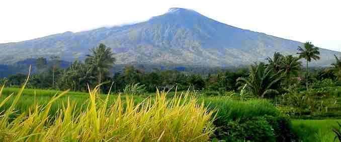 10 gunung tertinggi di indonesia