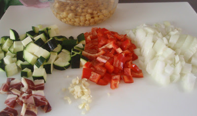 ingredientes para los garbanzos en potaje
