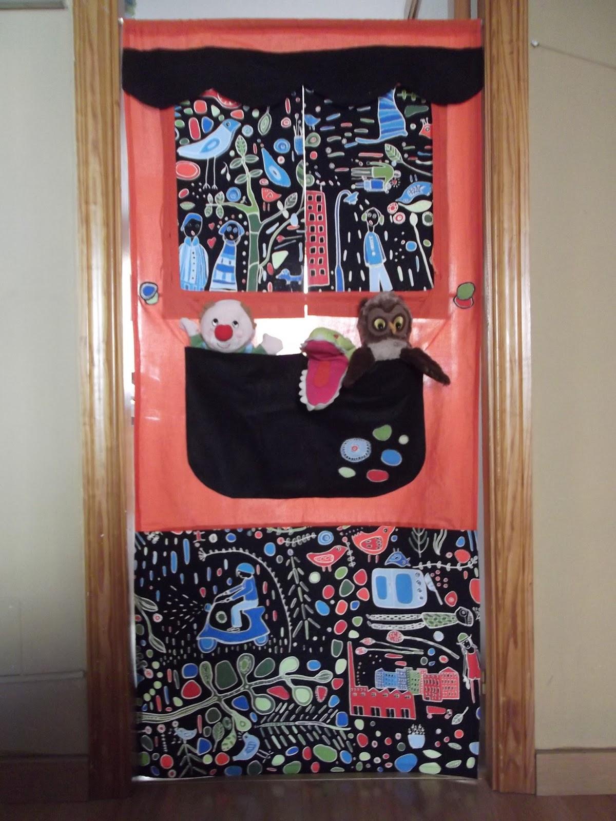 Viernes entre costuras teatro de marionetas para la puerta - Teatro marionetas ikea ...