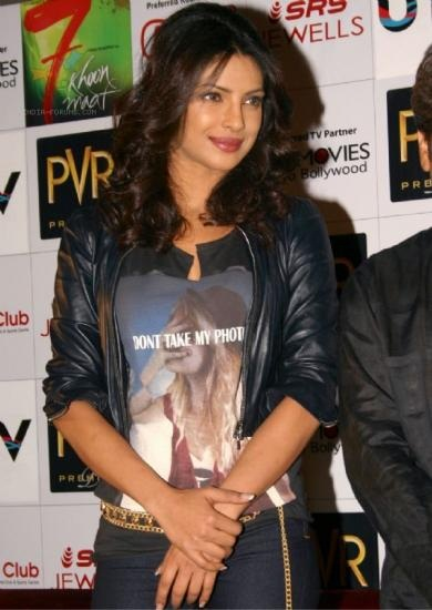 Priyanka Chopra At  7 Khoon Maaf Press Meet