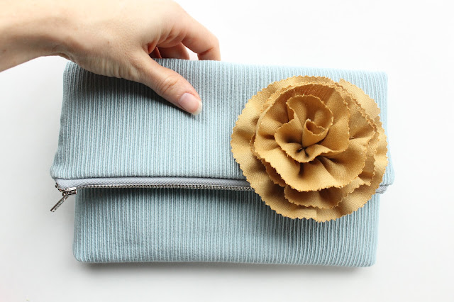 allisa jacobs clutch fabric flower