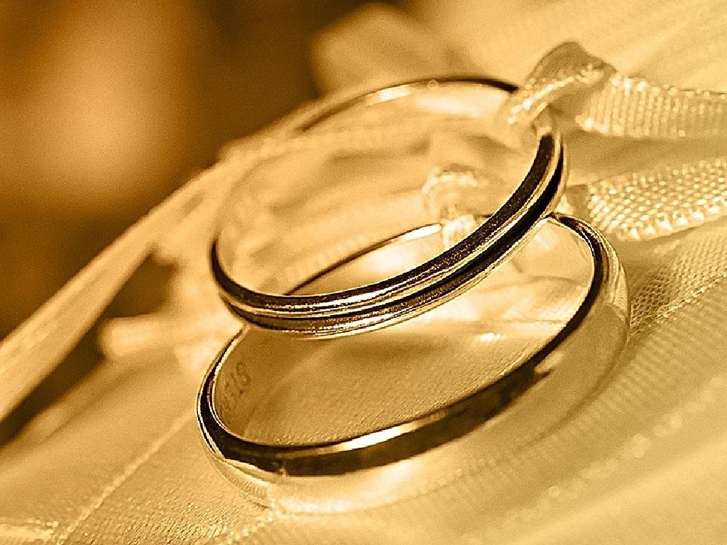 wedding rings. Black Bedroom Furniture Sets. Home Design Ideas