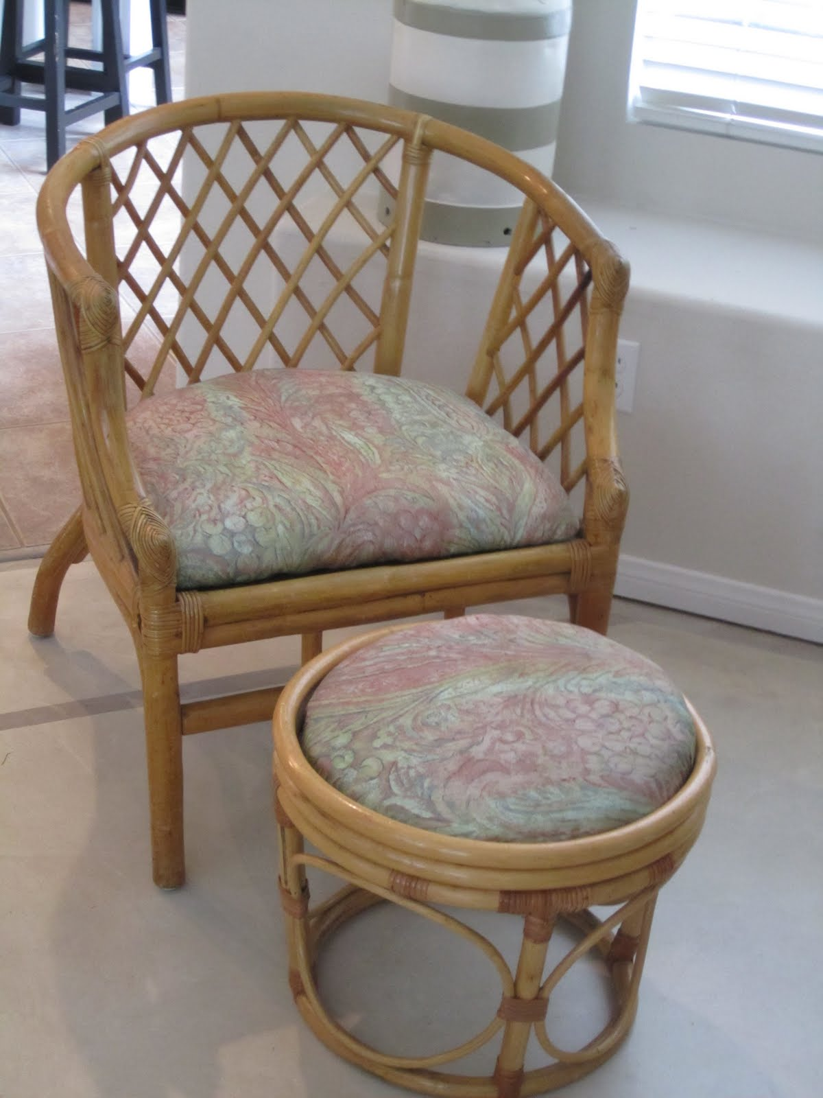 Anythingology Bamboo Chair