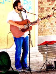 Rino Villano, folksinger di strada