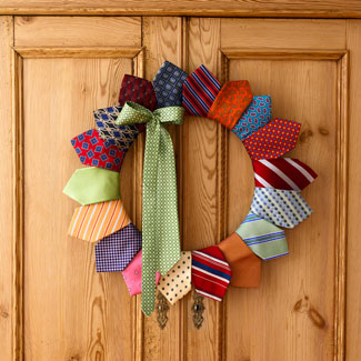 tie+wreath - 15 Fantastic Father's Day Gift Ideas