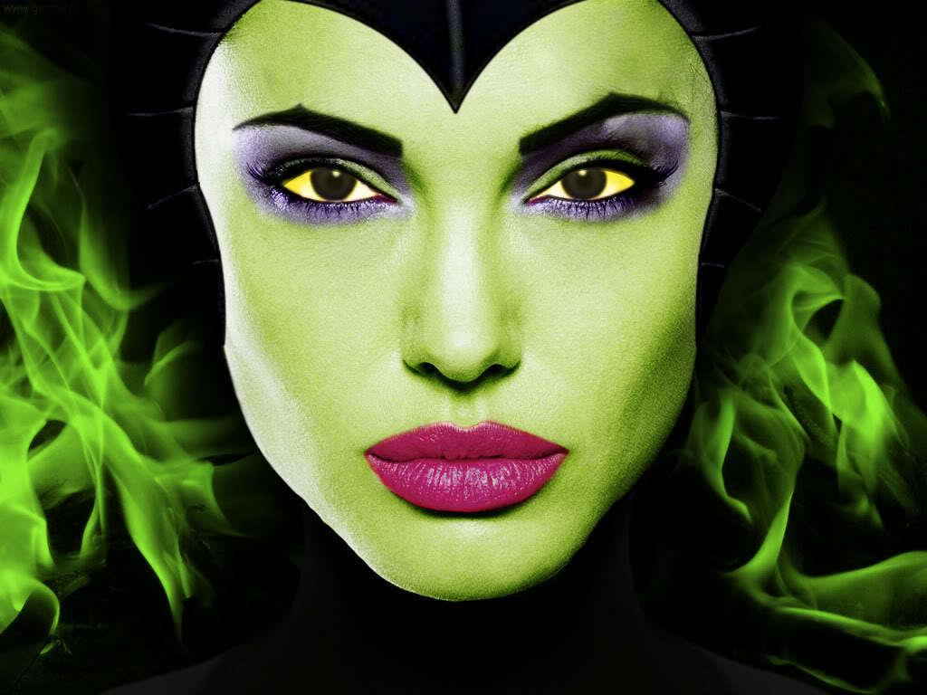 http://4.bp.blogspot.com/-WDXf3Wd7l3U/T76fKIkvE2I/AAAAAAAABts/9WqQ-Y81GqU/s1600/Angelina-Jolie-as-Maleficent-disney-19758228-1024-768.jpg