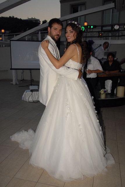 Gaye Turgut Deniz Evin Düğün Resimleri