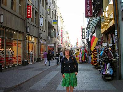 Calle peatonal de Hohe, Hohe Straße, Colonia, Köln, Alemania, round the world, La vuelta al mundo de Asun y Ricardo, mundoporlibre.com