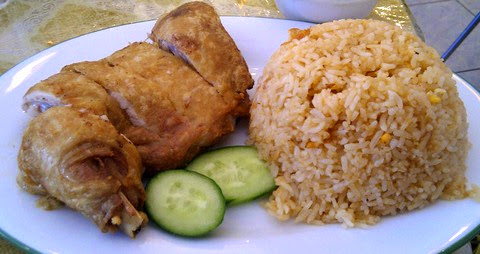 Crisp fried chicken with tangy rice