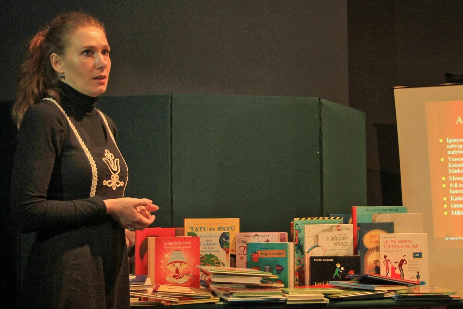 Előadás a gyerekkönyvekről a  magyar népmese napján - 2013, a Védem Egyesület szervezésében