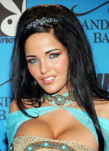 Lanny barby : la actriz porno canadiense con cara de ángel y cuerpo de diosa , chicas sexys 1x2