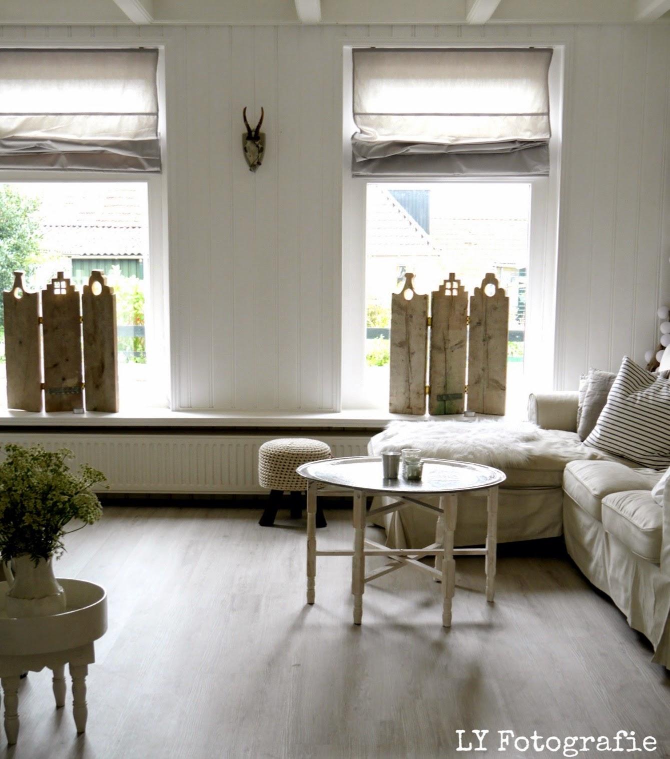 Vensterbank decoratie groot raam for Decoratie vensterbank woonkamer