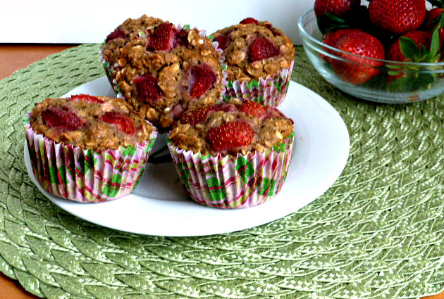 Baking and Cooking, A Tale of Two Loves: Strawberry Oatmeal Muffins