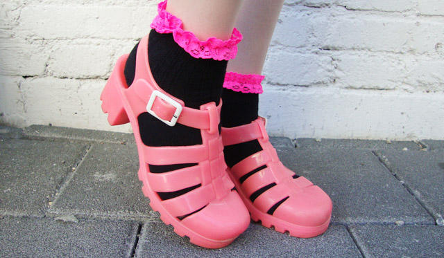 jelly shoes, juju, pink plastic sandals, frilled socks with sandals