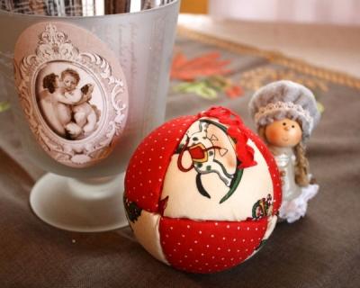Christmas ball arts crafts activity s o s mom - Deco boule de noel a fabriquer ...