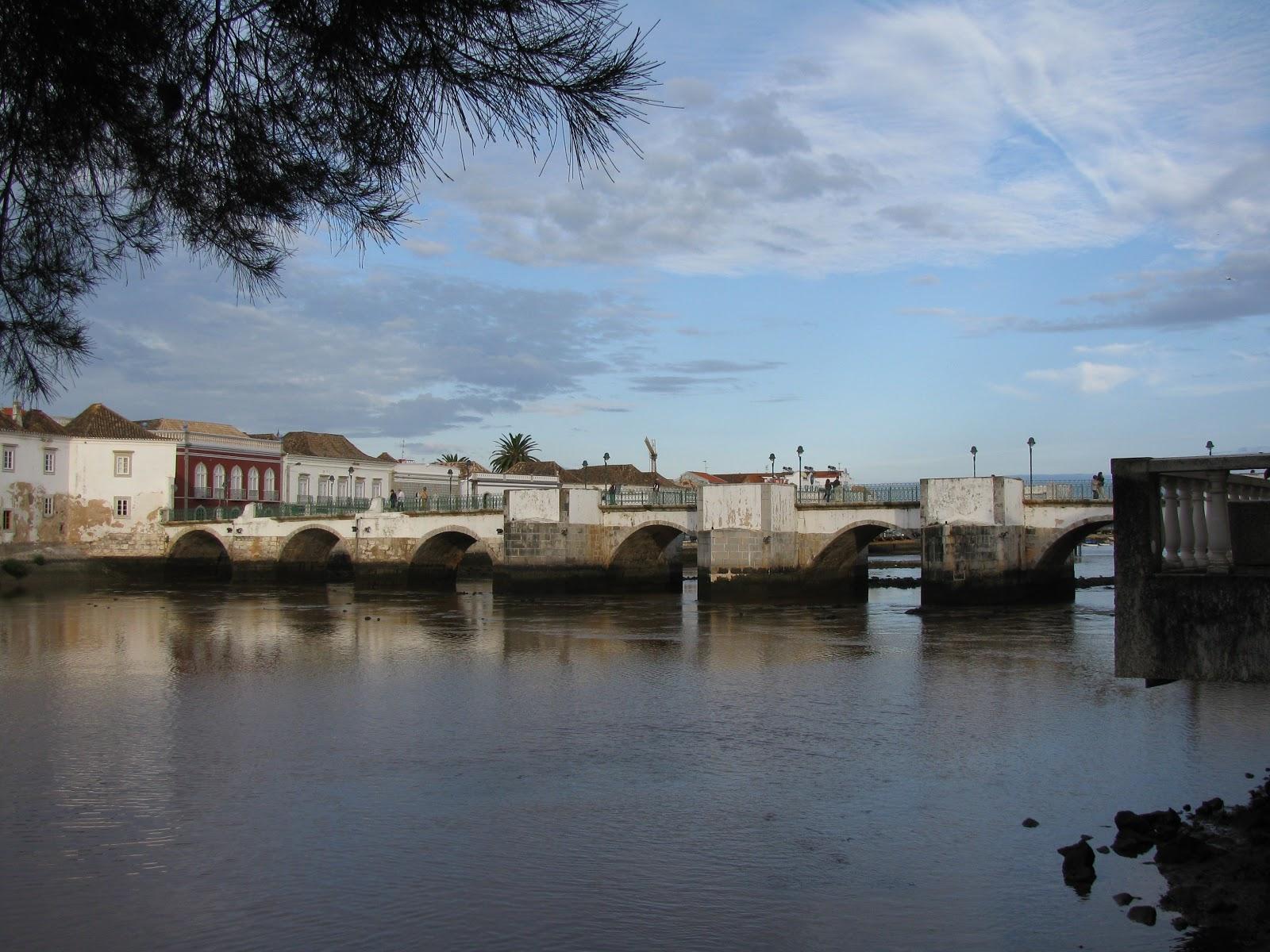 мост в Тавире