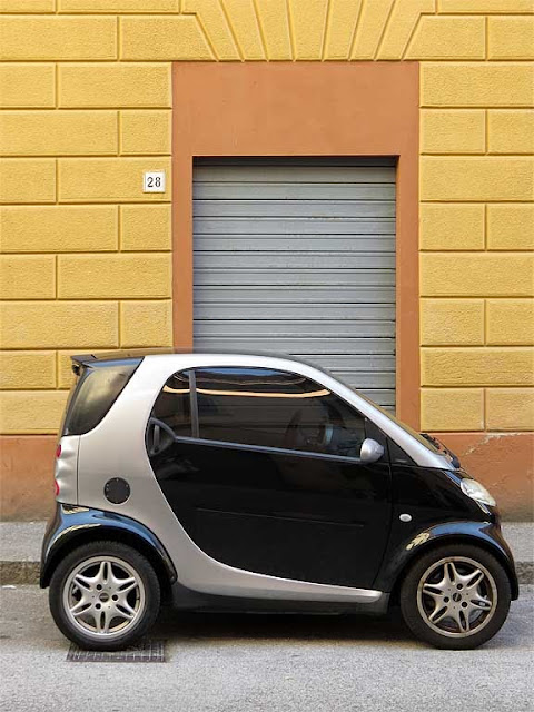 Smart car, via Paolo Emilio Demi, Livorno