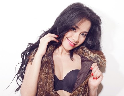 Foto Sexy Hot Arlina Sofia, Model SOOPERBOY