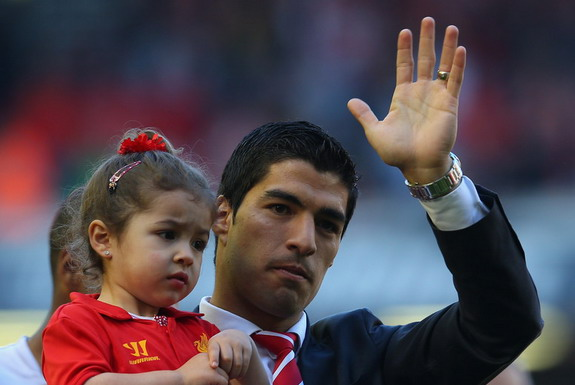 Luis Suárez cites the media's intrusion into his private life as the reason for wanting to leave