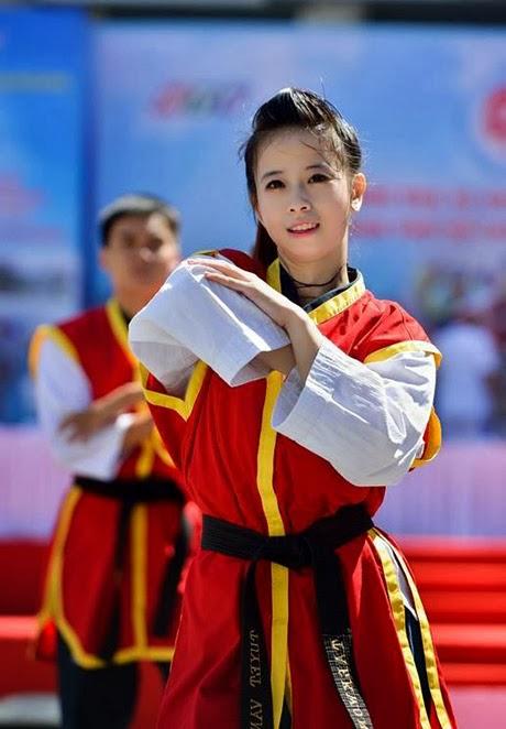 Nữ VĐV Taekwondo Châu Tuyết Vân và ảnh chia sẻ facebook