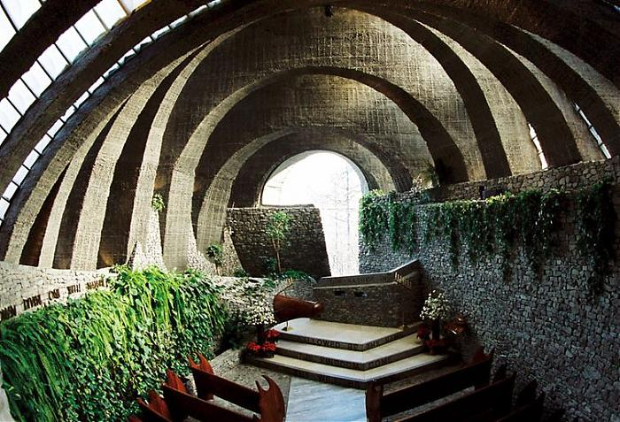 Stone Church in Karuizawa - Kendrick Kellogg, Architect