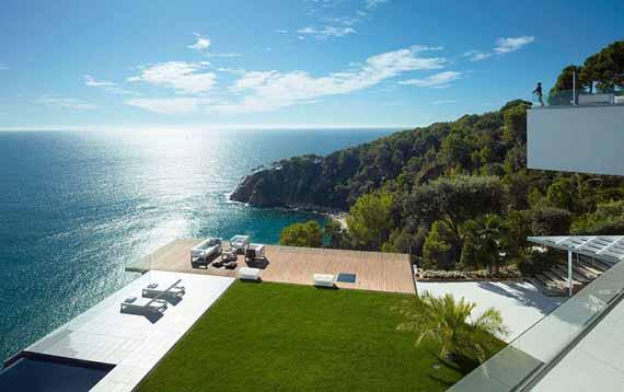Rumah Villa Mewah Dengan Pemandangan Laut Di Costa Brava Spanyol