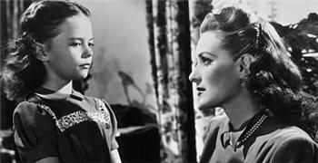 Doris and Susan talking in Miracle on 34th Street