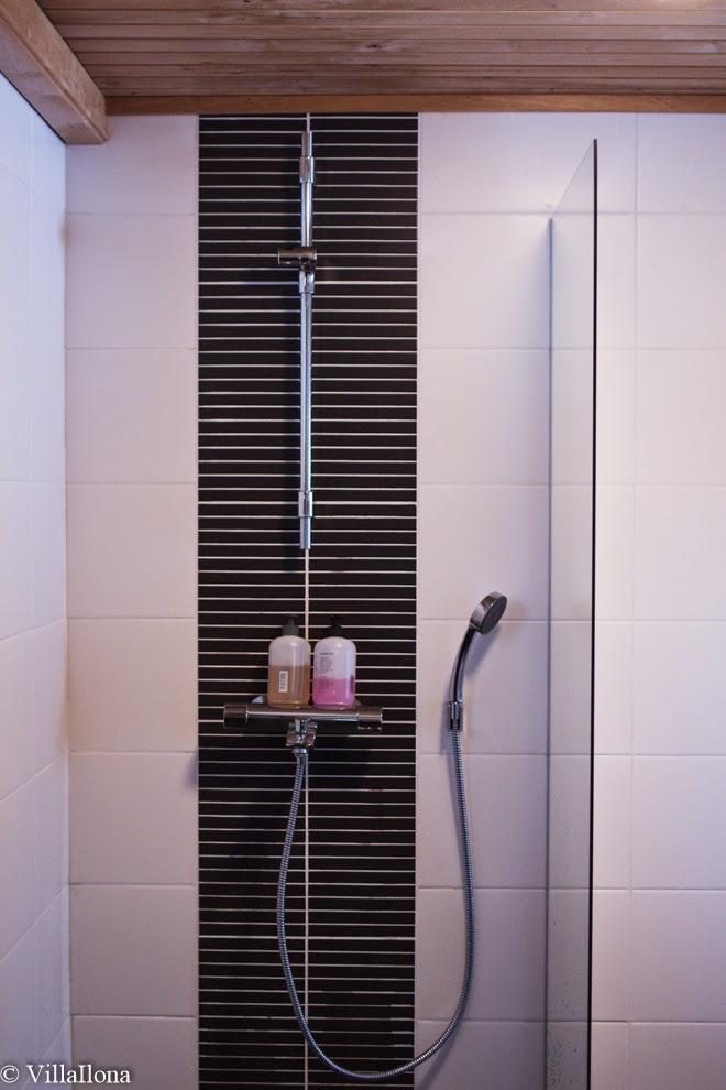 VILLA ILONA Mökin kylpyhuone ja sauna  edullinen remontti  Bathroom and sa