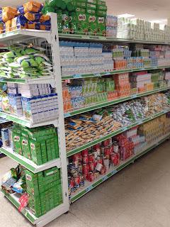 giá kệ bán hàng tại siêu thị