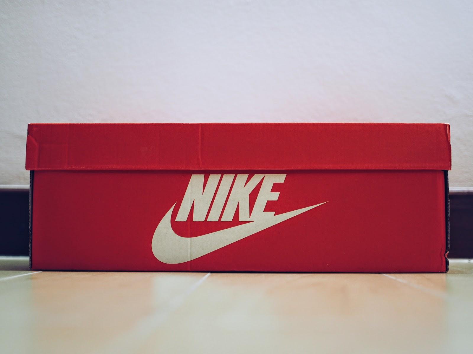 รีวิว รองเท้า Nike NSW TIEMPO 94 TXT