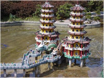 La Pagoda stills