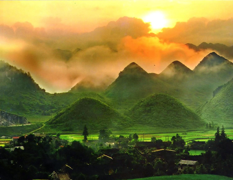 Hà Giang - Đồng Văn - Lũng Cú - Mèo Vạc - Khâu Vai 6 ngày 5 đêm.