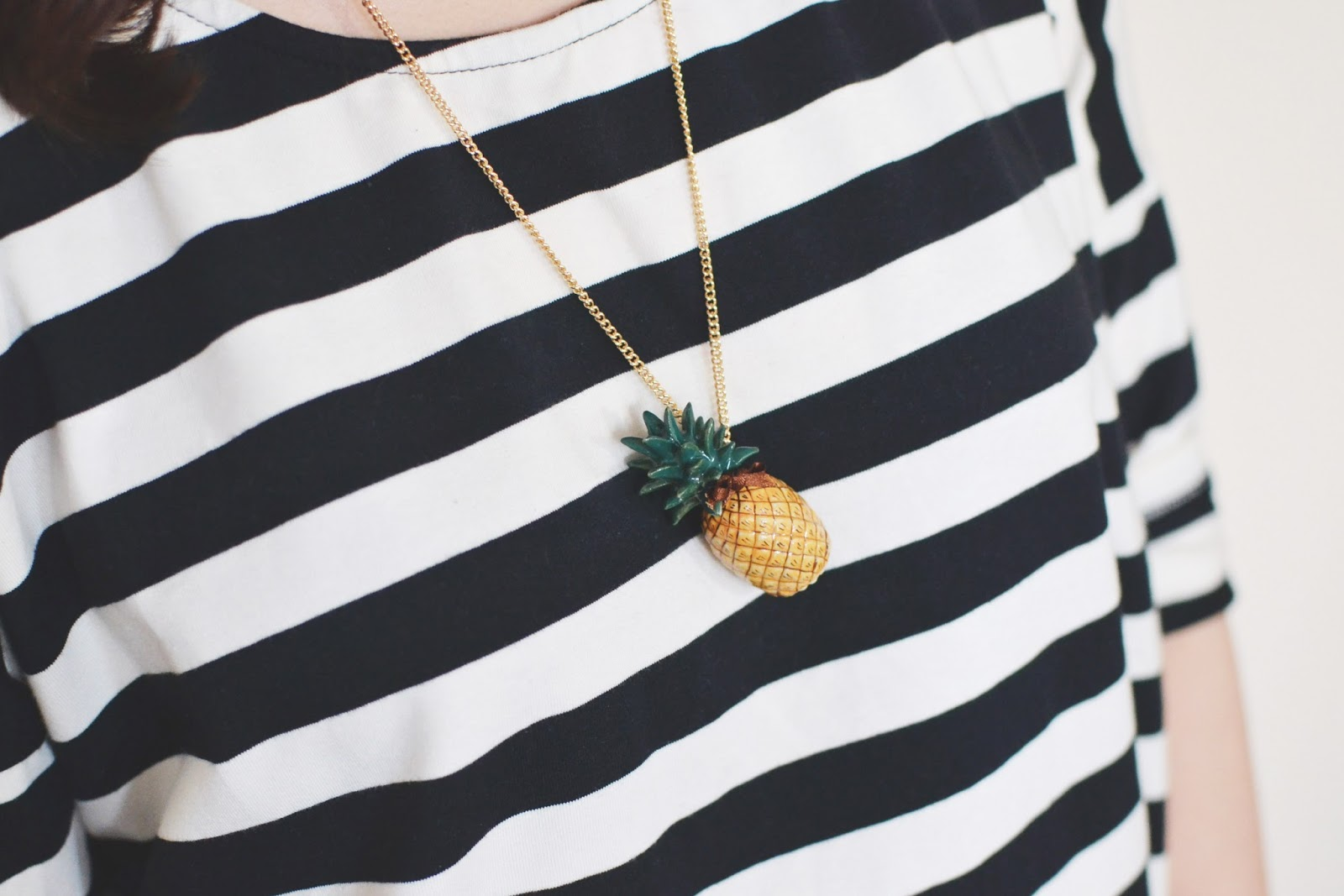 quirky jewellery, pineapple necklace, pineapple fashion trend