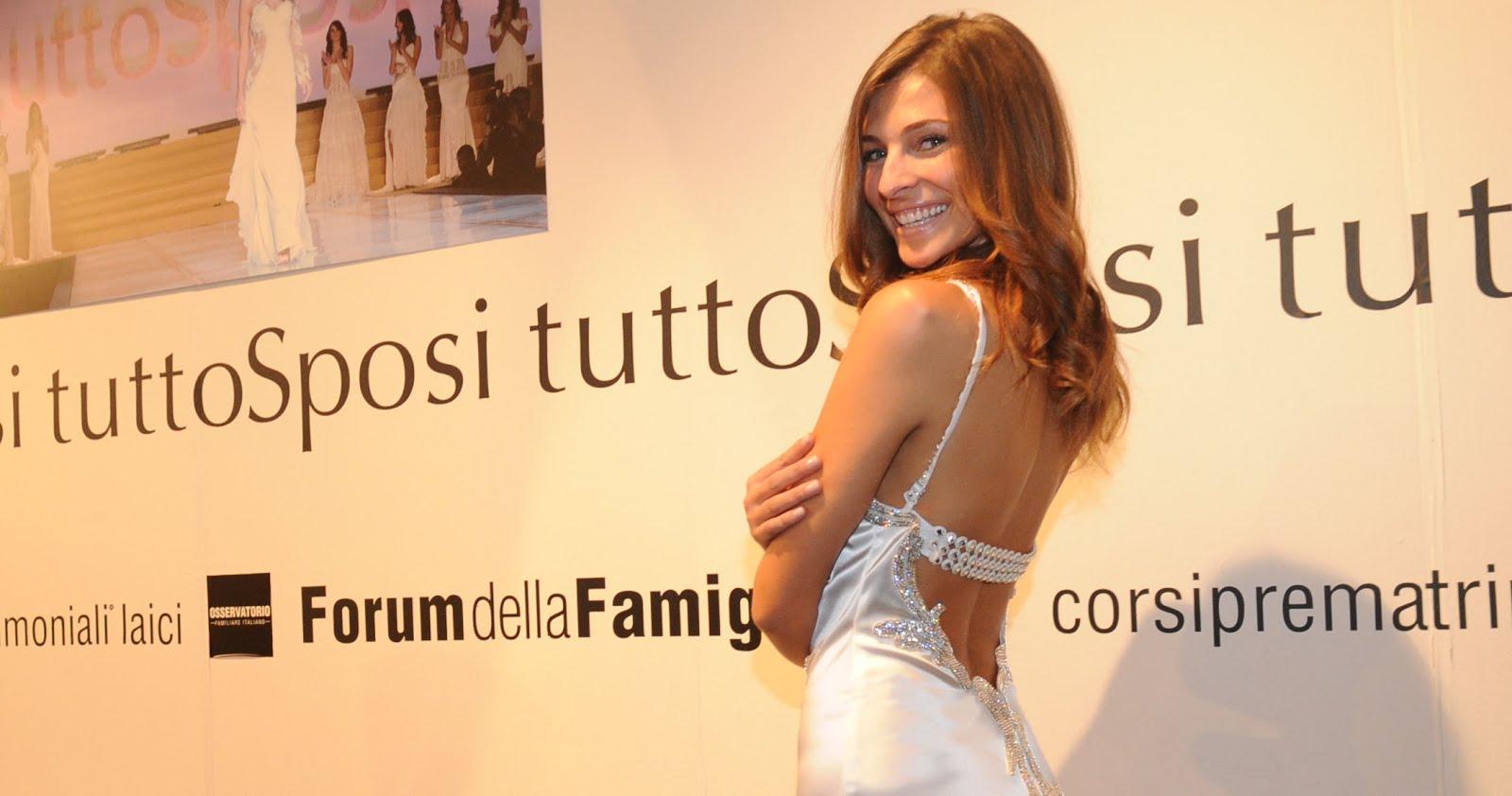 Applaudita a Tutto Sposi Cristina Chiabotto 8a39e3b0dfd