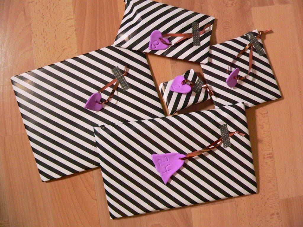 Streifen schwarz weiß gestreift Geschenkpapier Modelliermasse lila Maskingtape kupfer