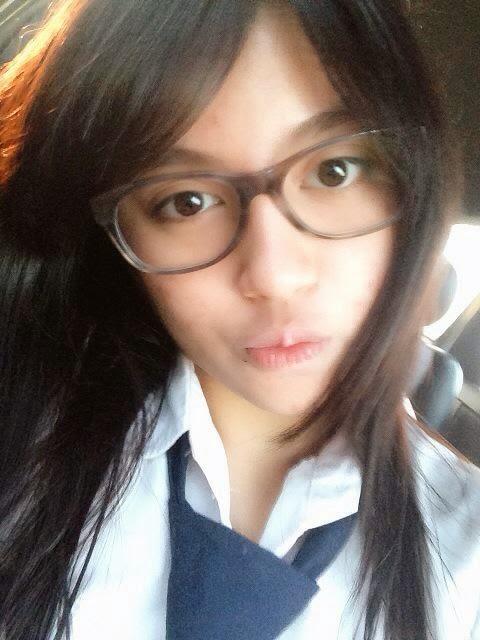 Foto Nabilah JKT48 mau berangkat kesekolah pakai seragam