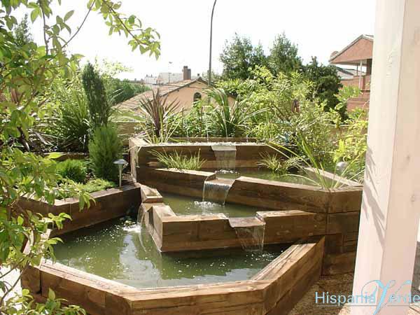 Decoracion jardines con traviesas maderas garcia varona - Jardineras de madera grandes ...
