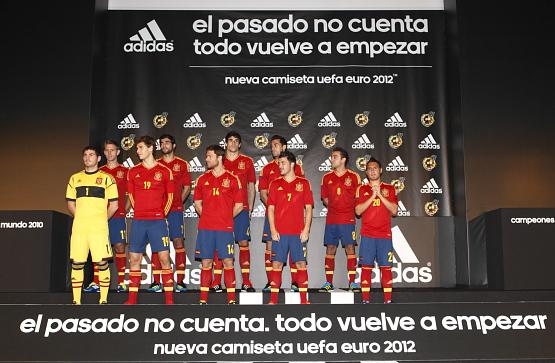presentación nueva camiseta selección española de fútbol Eurocopa 2012