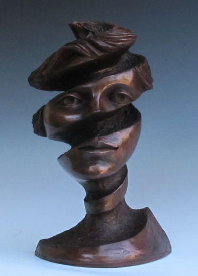 Michael Alfano esculturas de corpos rostos surreais bronze cobre Espiral