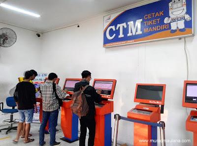 CTM di Stasiun Pasar Senen