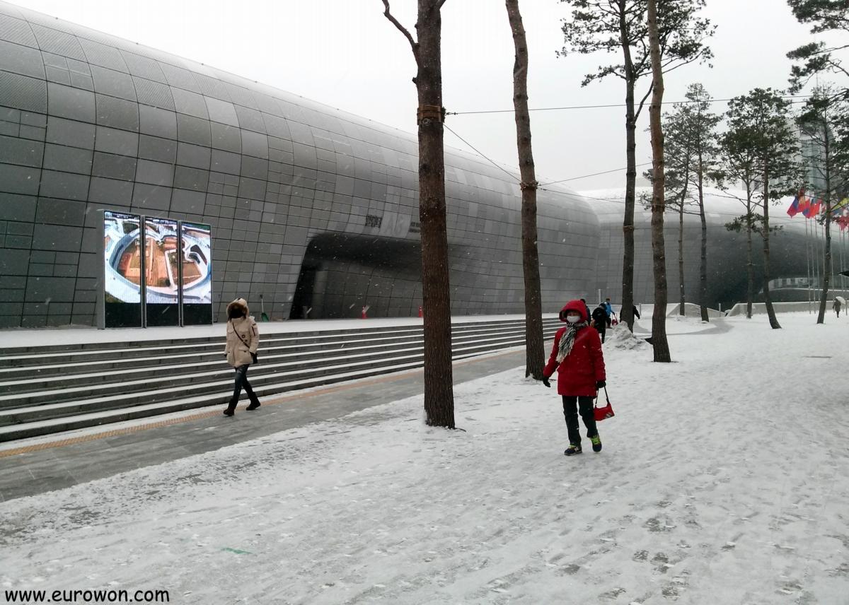 Nieve en Dongdaemun en Seúl