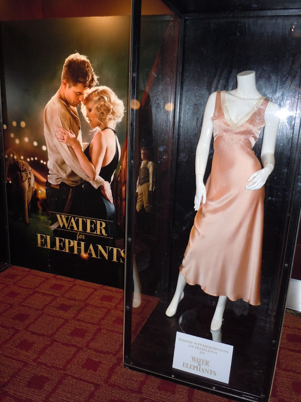 Water for Elephants Reese Witherspoon costume
