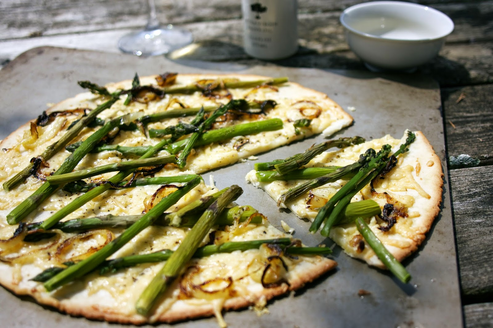 Asparagus Pizza: simplelivingeating.com