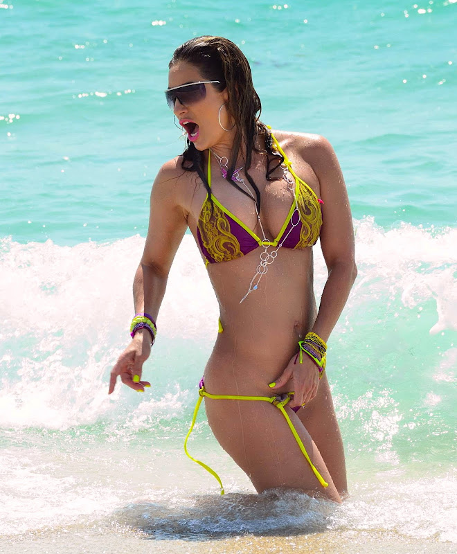 Jennifer Nicole Lee  Bikini Malfunction at Miami Beach